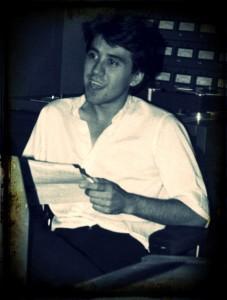 """1987: Primera temporada como director, productor  y presentador del programa """"Conversación Galante"""" de Radio Nacional de España"""